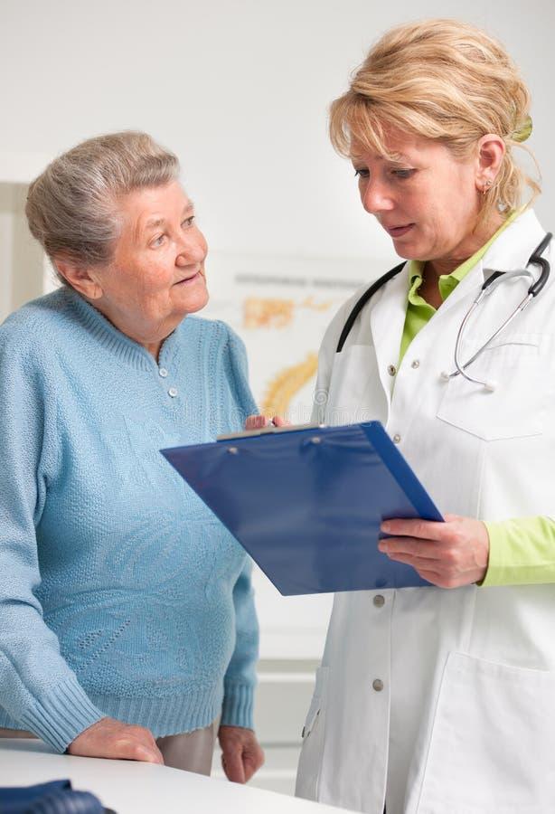 Lekarka i pacjent obrazy royalty free