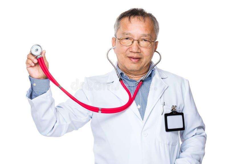 Lekarka podtrzymywał z stetoskopem fotografia royalty free