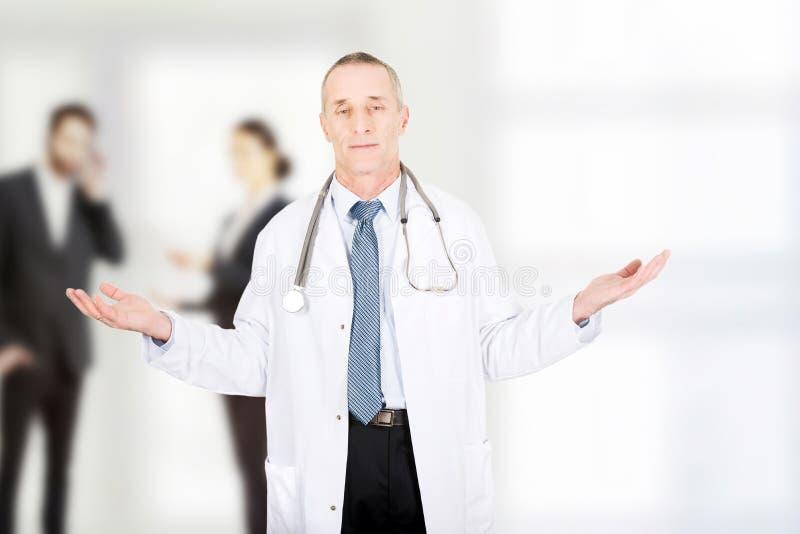 Lekarka z otwartymi rękami zdjęcia stock