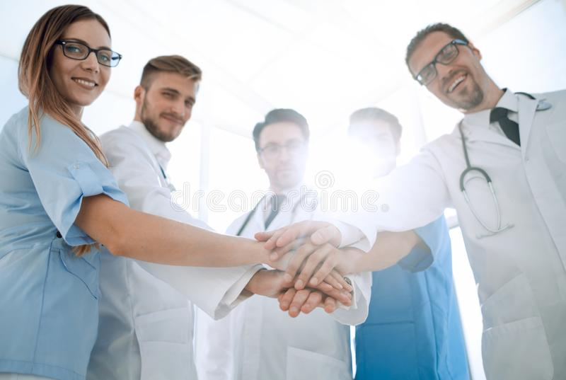 Lekarki i pielęgniarek równorzędne ręki obraz royalty free