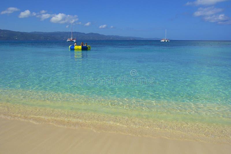 Lekarki zatoczki plaża w Jamajka, Karaiby zdjęcie stock