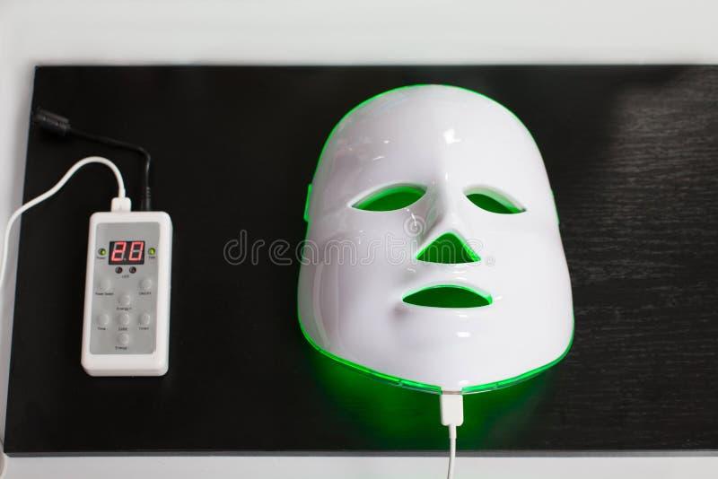 Lekka odmłodnieje maska dla twarzowej skóry terapii fotografia stock