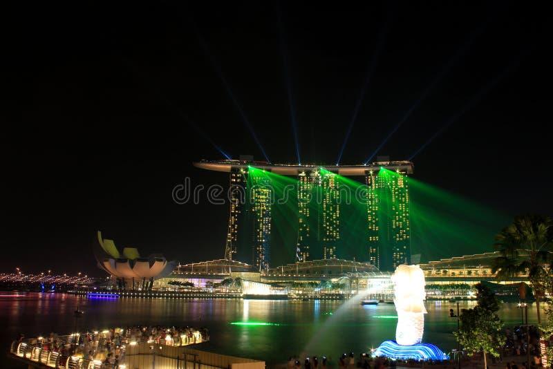Lekki przedstawienie przy marina zatoki piaskami Singapore fotografia stock
