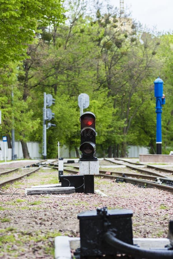 lekkiej kolei czerwony przedstawienie sygnału ruch drogowy stacja obrazy stock