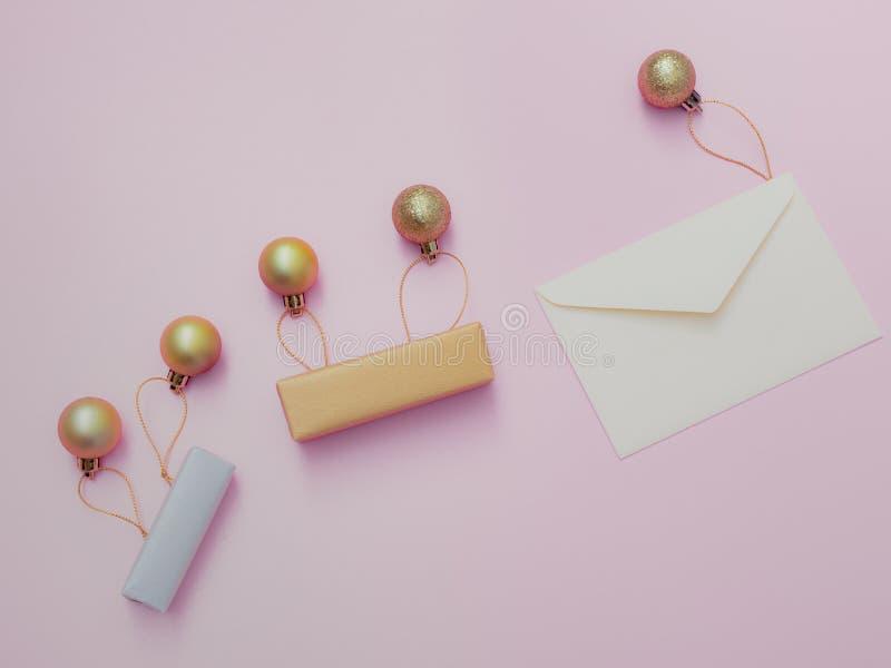 Lekmanna- begrepp för minsta lägenhet för jul och händelse för nytt år med s arkivfoto