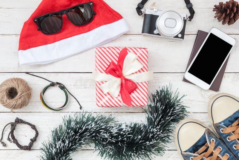 Lekmanna- flyg- bild för lägenhet av garneringar & bakgrund för glad jul för prydnader & för lyckligt nytt år arkivfoton