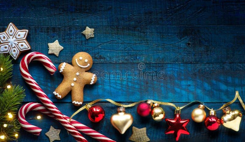 Lekmanna- lägenhet för julferieprydnad; Julkortbakgrund arkivfoton