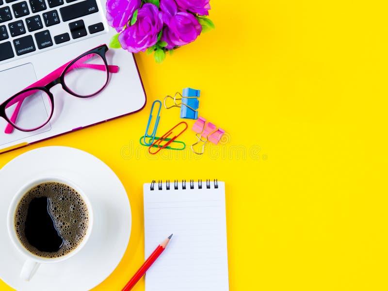 Lekmanna- lägenhet, för kontorstabell för bästa sikt ram för skrivbord tillbehören all konst är kan olika lätt redigerade eps-for royaltyfri bild