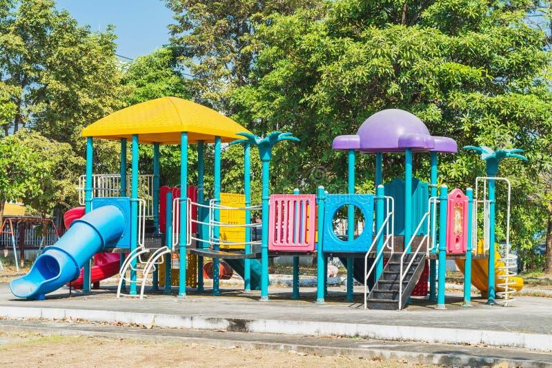 Lekplats i parken royaltyfria bilder