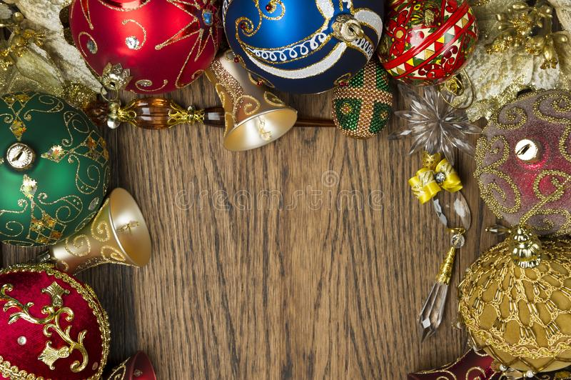Leksaker för nytt år på trä arkivfoto