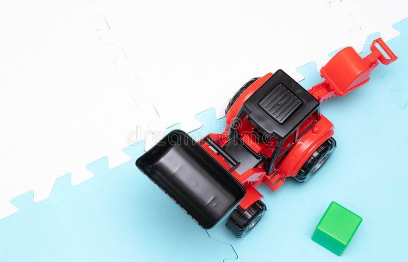 Leksaker för unga barn bildas toys Tidig utveckling arkivbilder