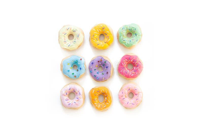 Leksakmat för lekar för barn` s Hand-gjorda donuts som göras av tyg, royaltyfria bilder