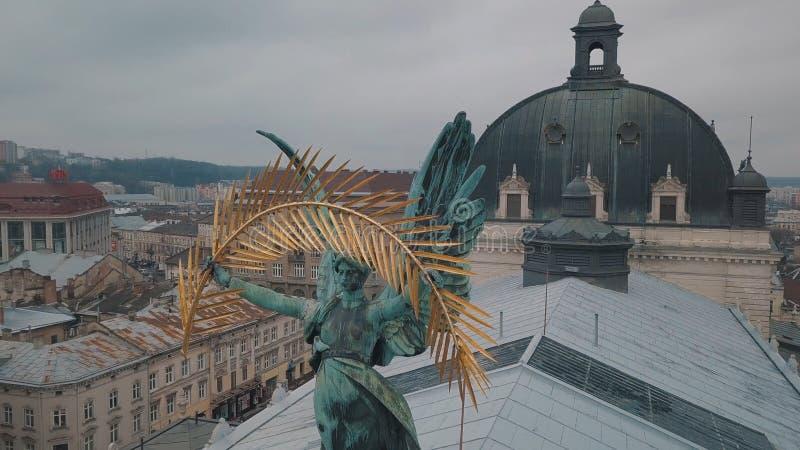 Lemberg, Ukraine - 17, im Dezember 2019 E Popul?re Statue auf Lemberg-Oper stockfotografie
