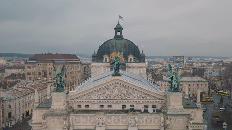 Lemberg, Ukraine - 17, im Dezember 2019 Europ?ische von der Luftstadt Popul?re Lemberg-Oper lizenzfreie stockfotografie