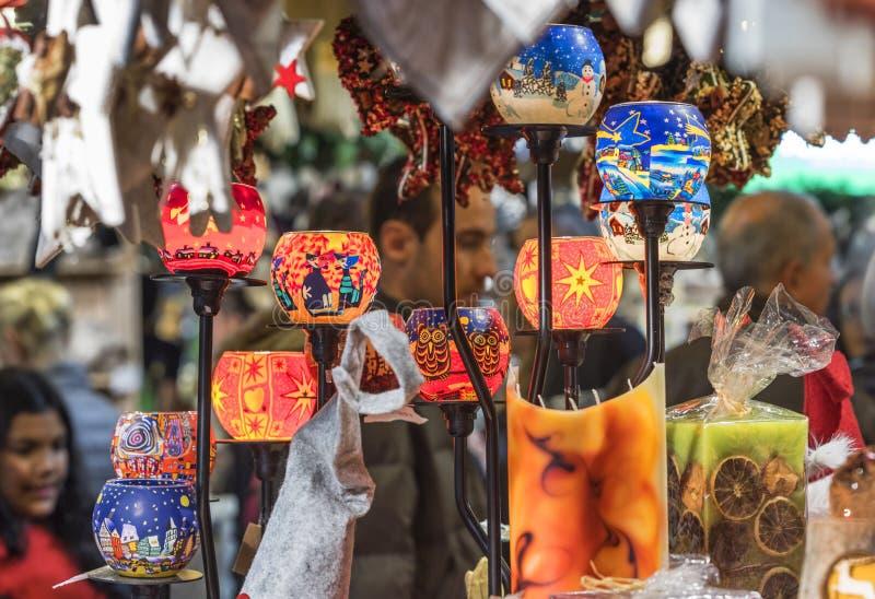Lembranças de vidro na venda fotografia de stock royalty free
