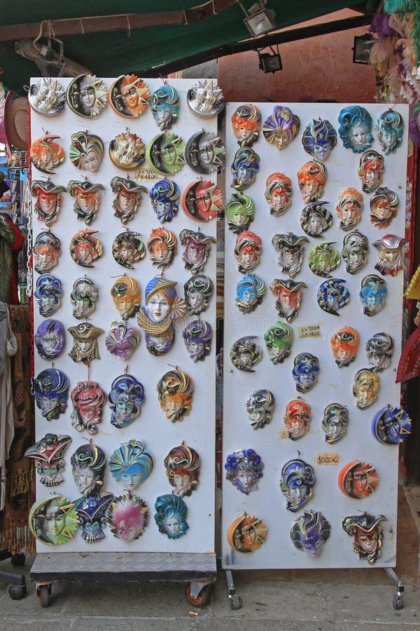 Lembranças Venetian das máscaras fotografia de stock royalty free