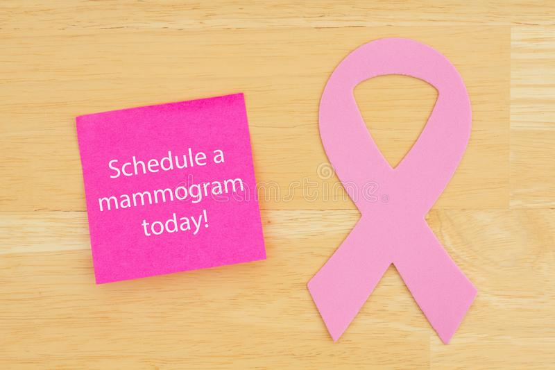 Lembrete para programar a fita do câncer do rosa do mamograma imagem de stock