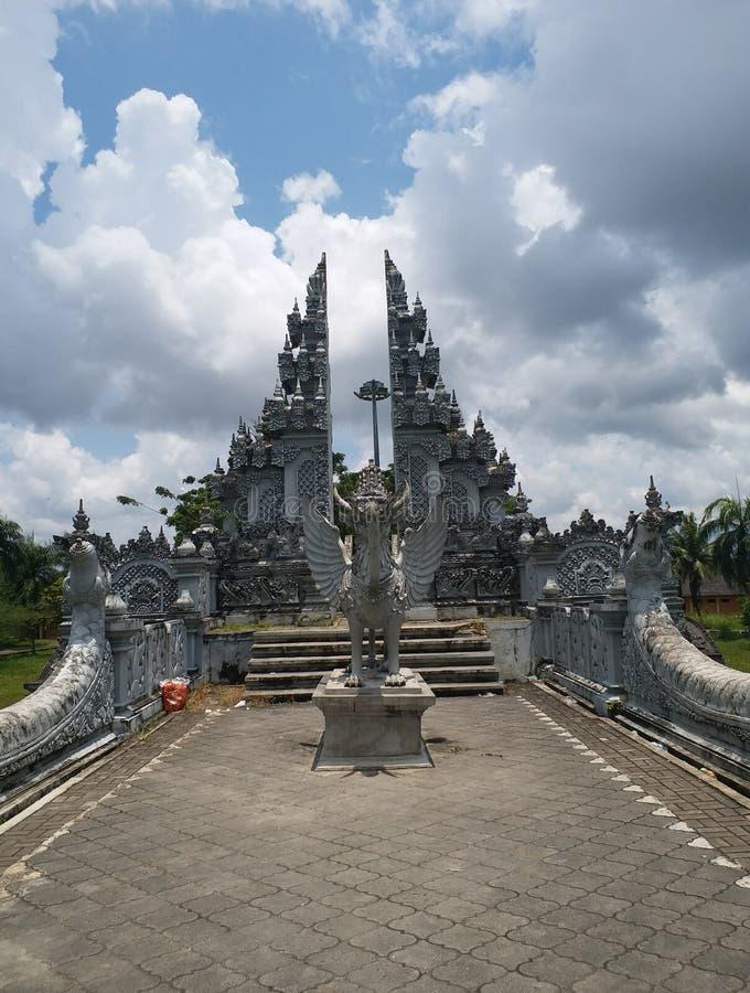 Lembuswanatempel bij Kumala-Eiland, Tenggarong, Kutai Kartanegara, het Oosten Kalimantan, Indonesië stock foto