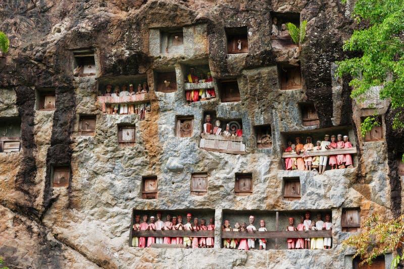 Lemo is de plaats van de klippenbegrafenis in Tana Toraja, Zuiden Sulawesi, Indonesië stock foto's