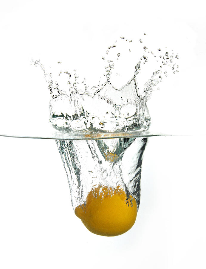 Free Lemon Splash Royalty Free Stock Photography - 9439697