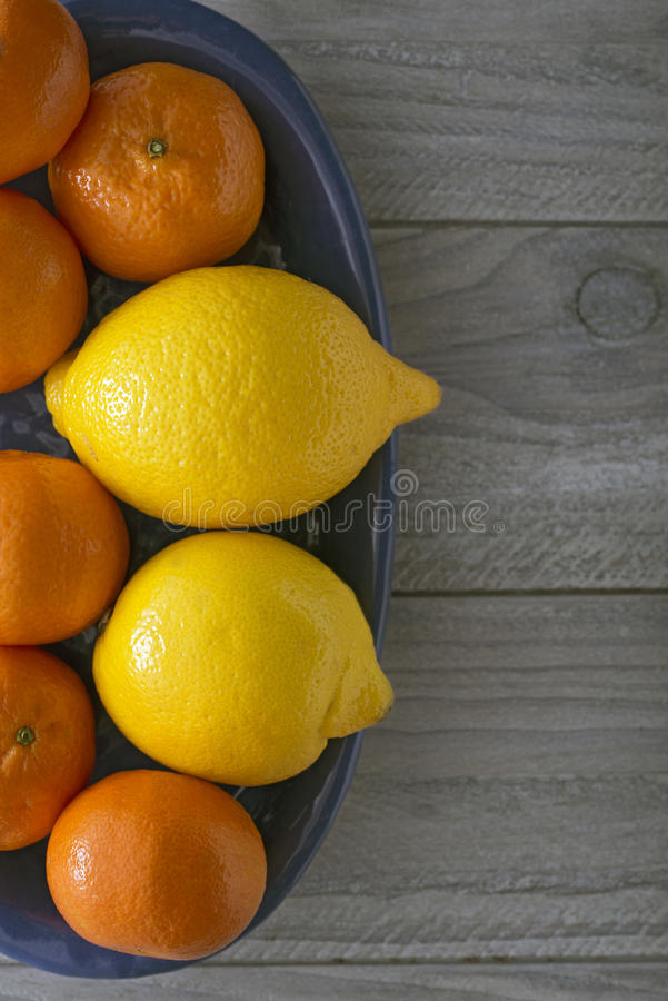 Download Lemons And Mandarin Oranges Stock Photography - Image: 37487482