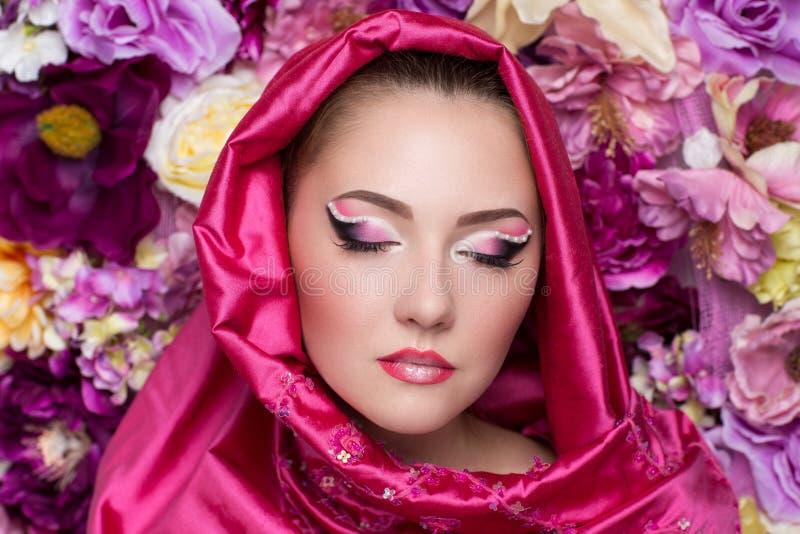 Lenço cor-de-rosa da mulher fotografia de stock