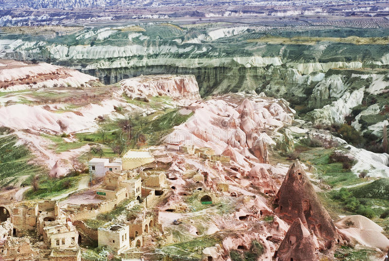 Lendscape coloreado de Cappadocia, Turquía fotos de archivo