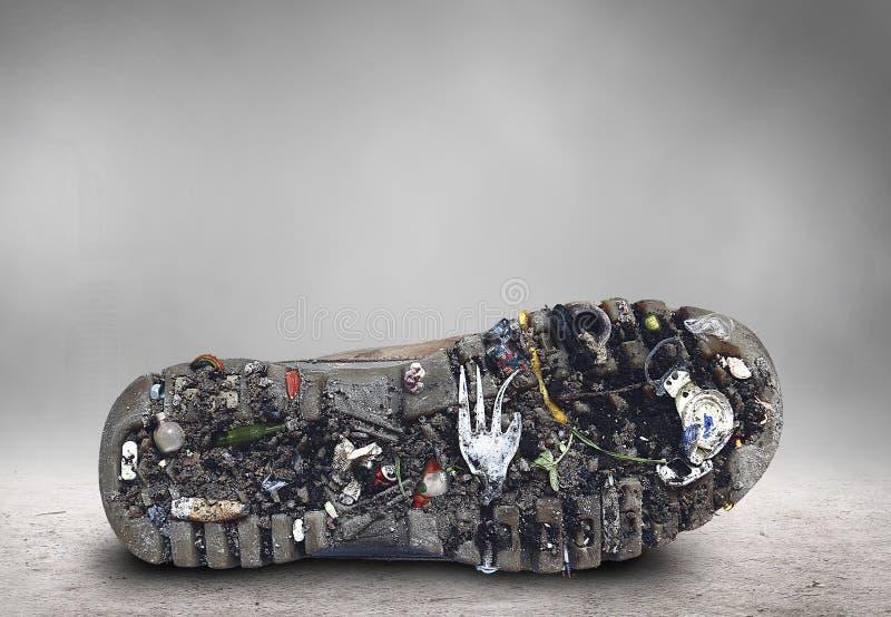 Lenguado del zapato con suciedad y basura imagenes de archivo