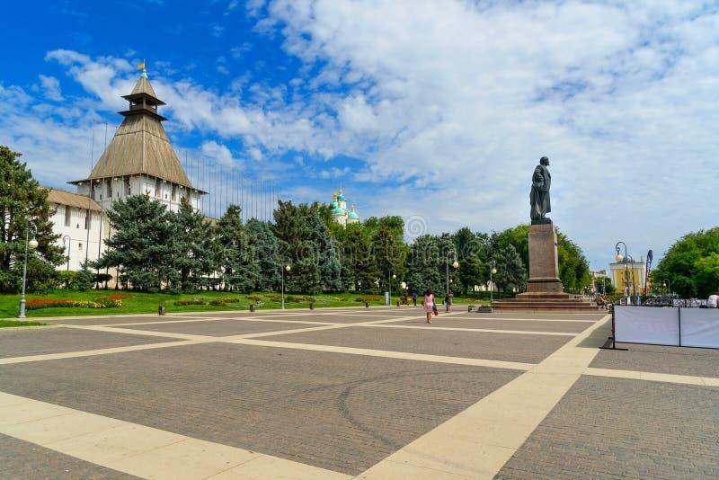 Lenin fyrkant i astrakan royaltyfria bilder
