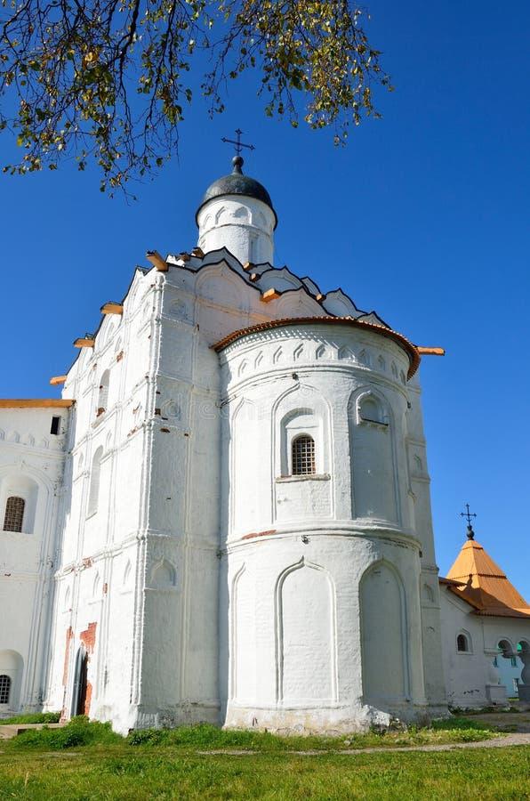 Leningrad region, Ryssland, sikt av kyrkan av interventionen av kloster för St Alexander Svirsky från royaltyfri bild
