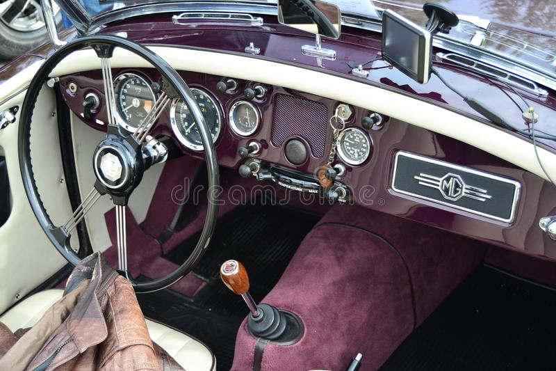 Lenkrad klassischen MG-Autos stockfotos