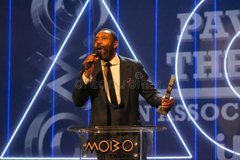 Lenny Henryat que o MOBO concede, arena de Leeds, Reino Unido imagem de stock royalty free