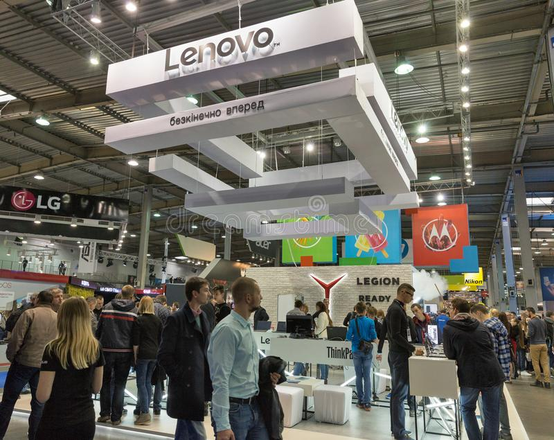 Lenovo budka podczas CEE 2017 w Kijów, Ukraina obraz stock