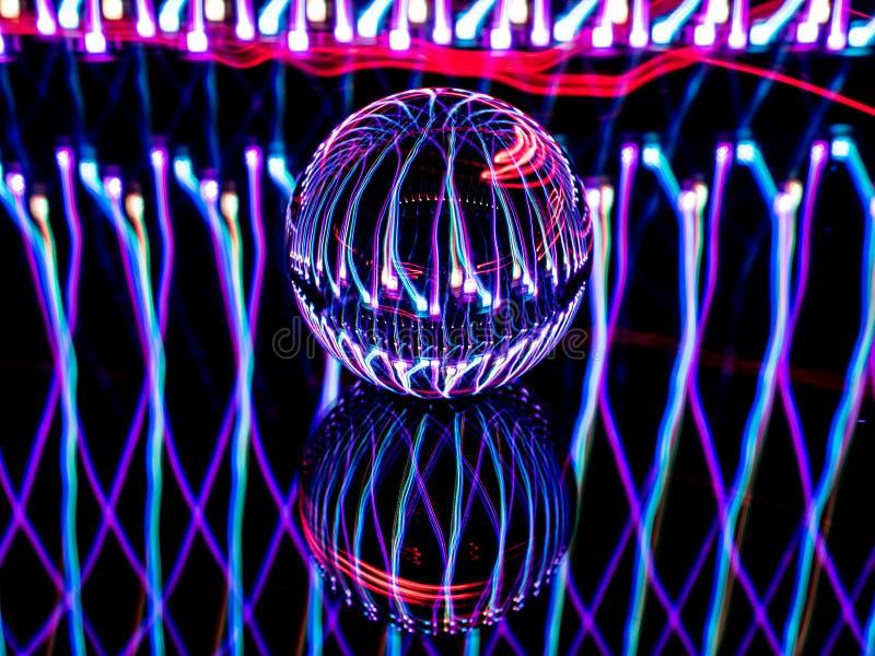 Lensballen ser som en Orb på ett strömkretsbräde royaltyfri foto