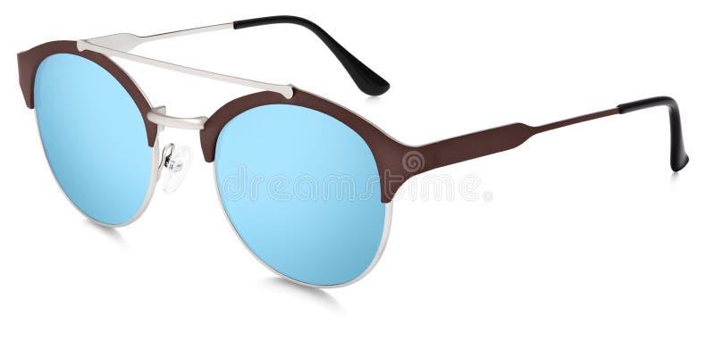 Lentilles bleues de miroir de lunettes de soleil argentées et brunes d'isolement sur le blanc photo stock