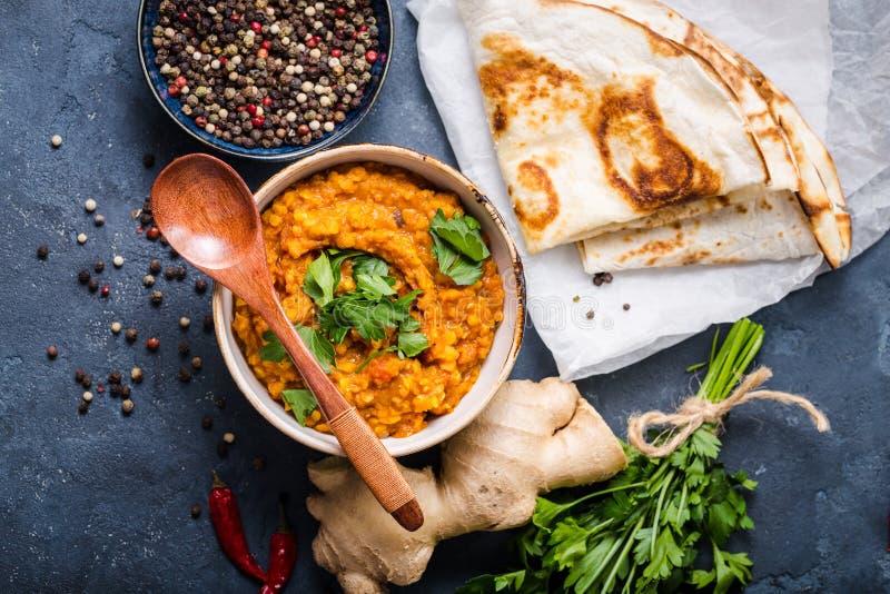 Lentilles indiennes traditionnelles dal photos stock