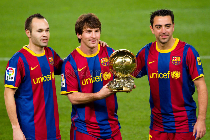 Iniesta Messi And Xavi With Golden Ball Editorial Stock Image Image Of Prize Lionel 17892399