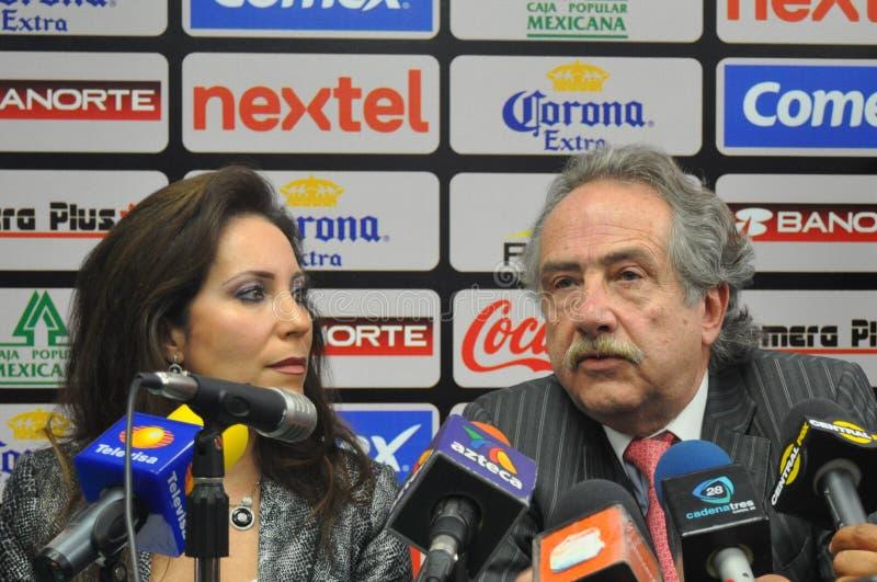 Decio de Maria und Barbara Botello in der Konferenz stockbild