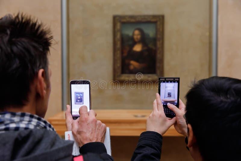 Leonardo Da Vinci-` s Mona Lisa am Louvre Museumn stockbild