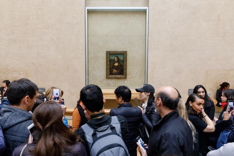 Leonardo Da Vinci-` s Mona Lisa am Louvre Museumn lizenzfreies stockfoto
