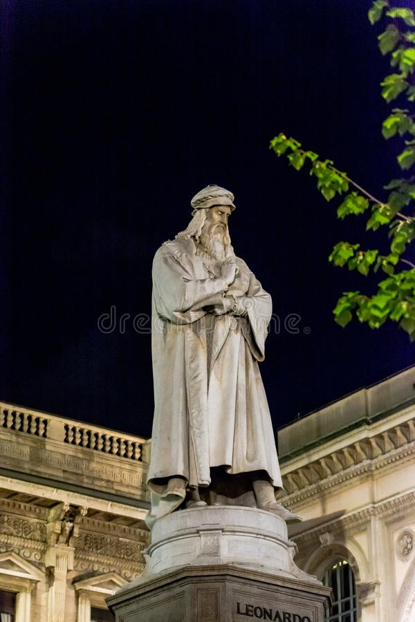 Leonardo Da Vinci Statue stock afbeelding
