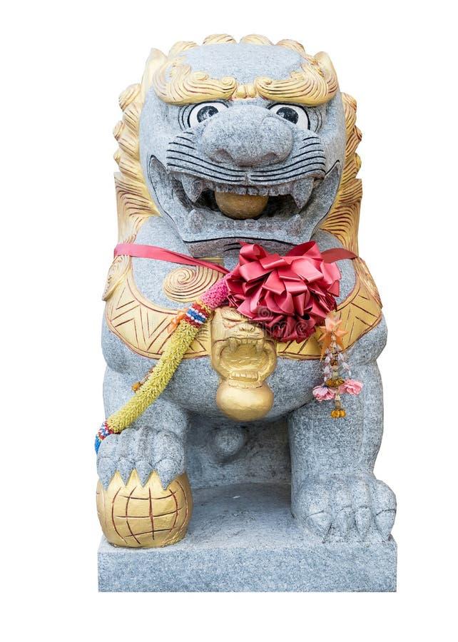 Leone della bambola di Chiness decorato in un tempio fotografia stock