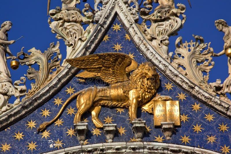 Leone dorato Venezia della basilica dei contrassegni santi fotografia stock libera da diritti