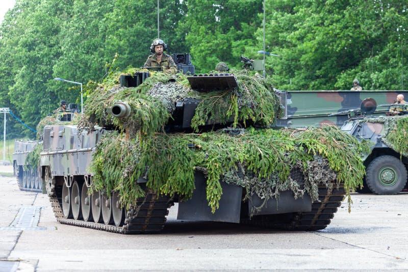 Leopardo alemão 2A6 do tanque de guerra fotografia de stock
