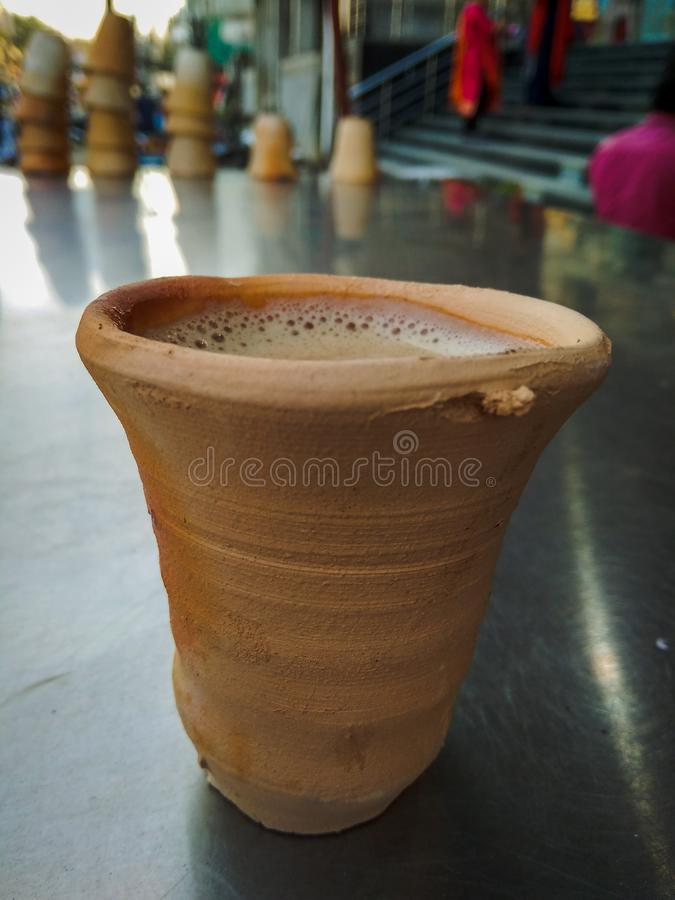 Lerakopp av chai arkivfoton