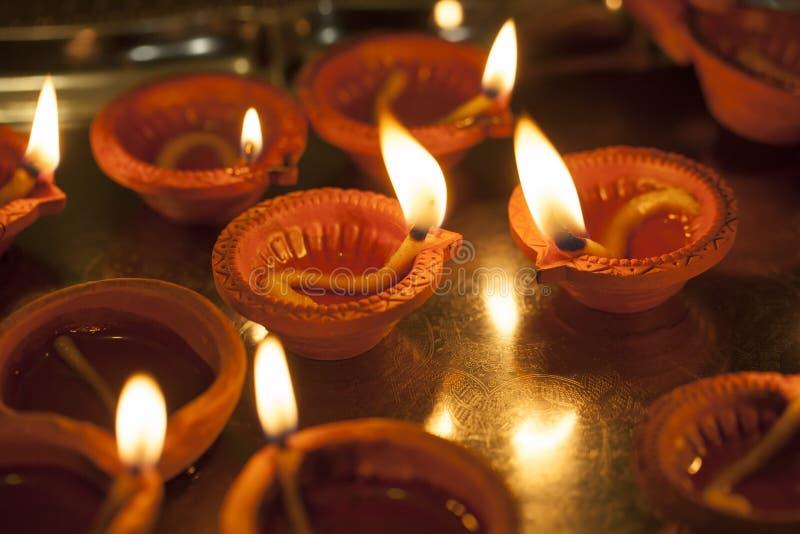 Leralampa som bränner för Diwali royaltyfri bild