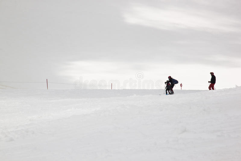 Lerend om bij Hintertux-Gletsjer, Oostenrijk te skien royalty-vrije stock foto