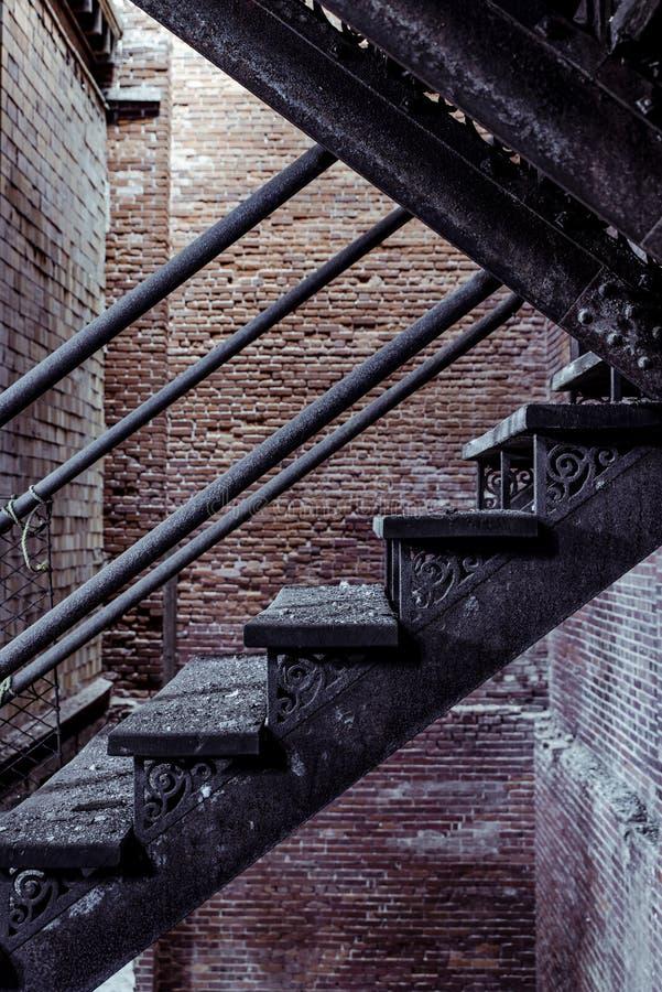 Lerkärl Stad Brygga Företag - östliga Liverpool, Ohio arkivbild