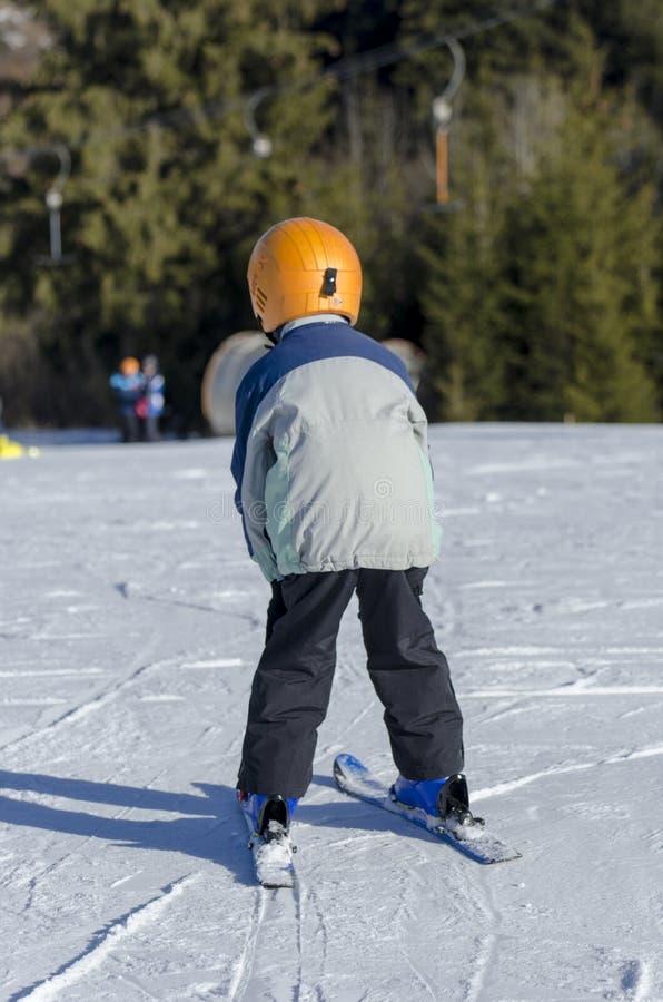Lernen Ski zu fahren stockfotos