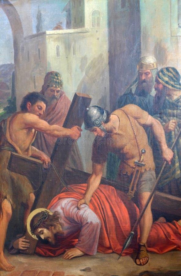les 9èmes stations de la croix, Jésus tombe la troisième fois photographie stock libre de droits